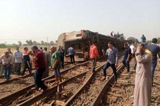 Al menos 32 muertos y más de 100 heridos tras descarrilarse un tren