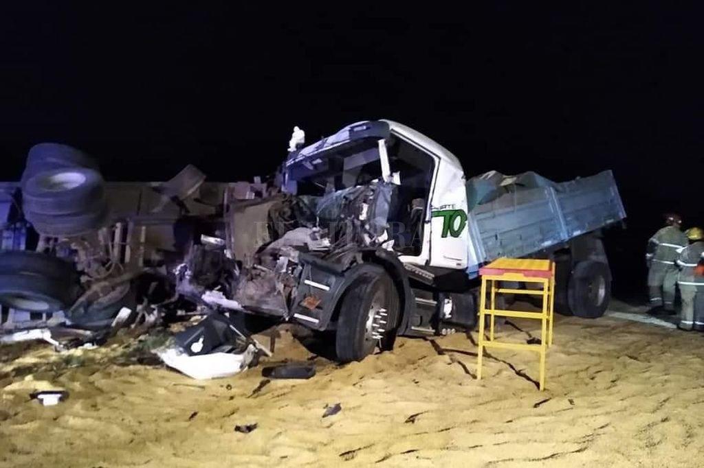 Los camiones siniestrados en el triple choque de Arocena. Crédito: El Litoral