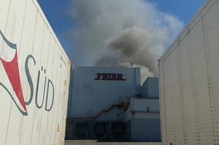 Un incendio afectó el interior de la planta de Friar en Reconquista