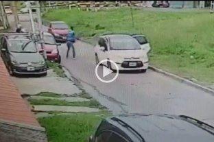 Video: vio que le robaban al suegro a punta de pistola y embistió con su auto a los ladrones -
