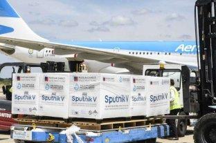 Llegan 800 mil dosis de Sputnik V en un vuelo de  Aerolíneas Argentinas