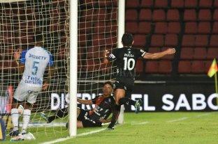 Hicieron uno cada uno, pero Farías (la figura) le regaló los dos goles