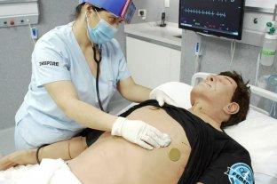 La Plata: estudiantes de medicina se capacitan en centro de telesimulación al no poder practicar en hospitales