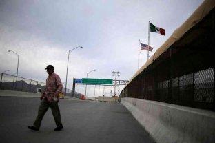 México extiende hasta mayo las restricciones fronterizas por la pandemia