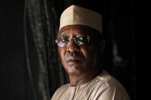 Muere el presidente de Chad en combates contra rebeldes