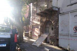 Mar del Plata: se soltó baranda de un balcón y cayó sobre una pareja que caminaba por la vereda