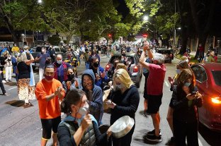 Cacerolazos en la ciudad de Buenos Aires en rechazo al fallo que ordenó suspender la presencialidad