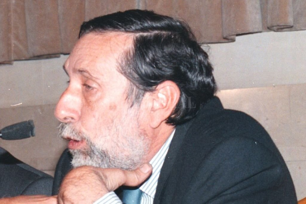 Durante una conferencia como jurista, el ámbito donde más se destacó. Crédito: Archivo El Litoral