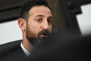 Sukerman abre el diálogo con los senadores
