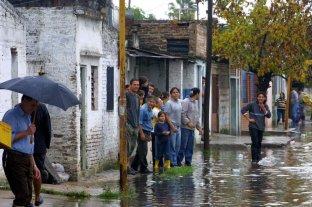 Acampe frente a la Legislatura a 18 años de la inundación de 2003