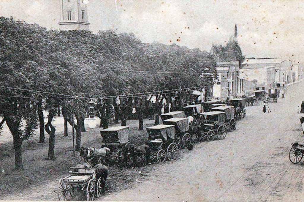 Crédito: Vista de la plaza central de San Carlos a finales del siglo XIX o principios del XX. Colección perte