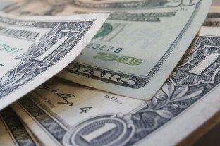 """Dólar hoy: el oficial abre estable y el """"blue"""" se vende a $ 152"""