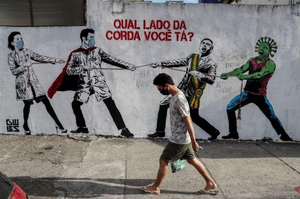 En el país brasilero se duplicaron el valor de las tasas de hospitalización de menores de 60 años, respecto al año pasado. Crédito: Gentileza