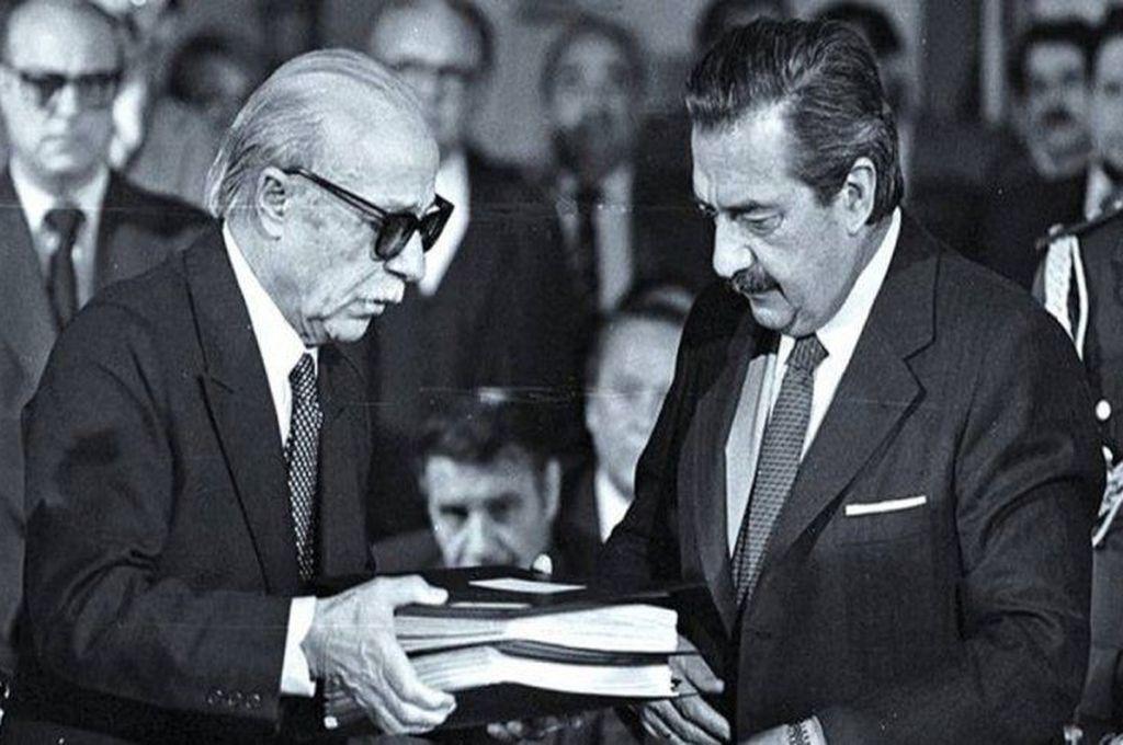 Ernesto Sábato y Raúl Alfonsín Crédito: Captura de pantalla