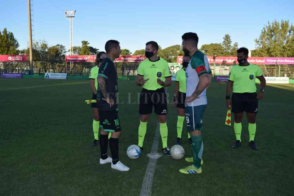 El domingo pasado hizo su debut oficial en un partido como árbitro profesional: Unión de Sunchales-Sportivo Belgrano de San Francisco (Federal A).  Crédito: Gentileza