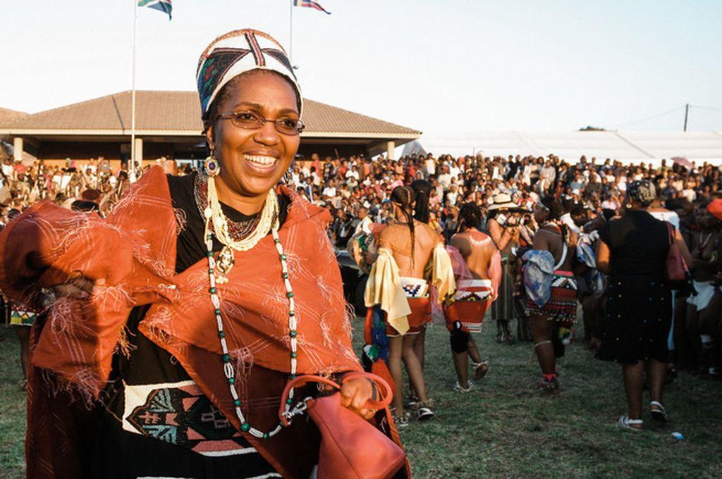 La reina Mantfombi Dlamini Zulu fotografiada en 2014, en un festival de danza en el Palacio Real de Enyokeni, en Nongoma. Crédito: Getty