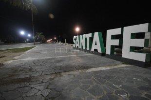 Calles vacías y hospitales llenos: cómo es una noche en pandemia