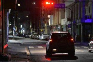 Restricciones en Santa Fe: circulación vehicular prohibida de 20 a 6 y bares hasta las 23
