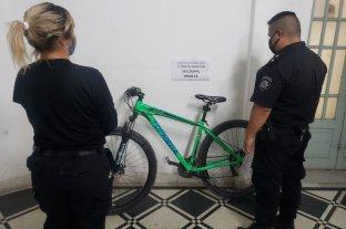 Detuvieron a dos jóvenes que vendían en internet una bicicleta robada