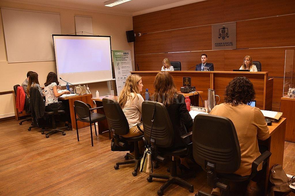 Este jueves las partes harán sus alegatos finales ante el tribunal integrado por los jueces Sandra Valenti, José Luis García Troiano y Rosana Carrara. Crédito: Flavio Raina