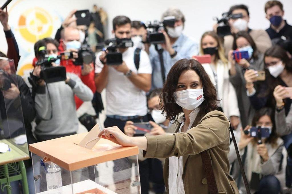 Votación de Isabel Díaz Ayuso. Crédito: @IdiazAyuso