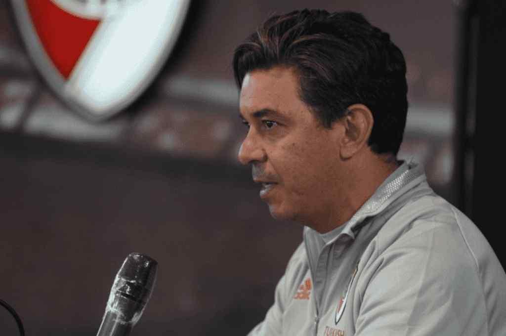El entrenador del Millonario brindó una conferencia de prensa en el River Camp Crédito: Gentileza