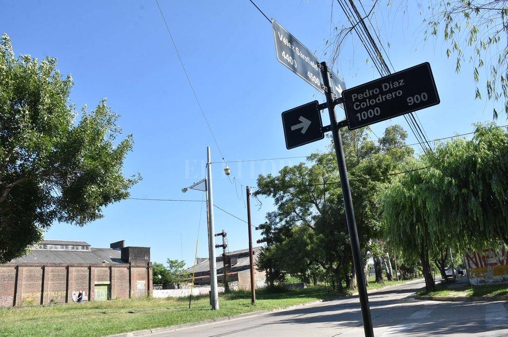 Cuadra por cuadra, los vecinos relevaron las áreas del barrio más conflictivas en cuanto a inseguridad y falta de luminaria.  Crédito: Mauricio Garín