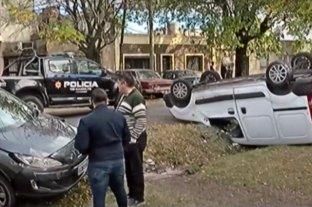 Rosario: choque con vuelco no dejó heridos de milagro