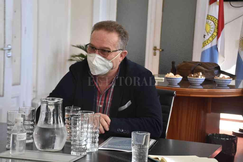 El ministro Lagna dio su parecer sobre el clásico en medio de la segunda ola de la pandemia. Crédito: Guillermo Di Salvatore