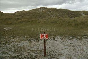 Buscan establecer si hay restos de soldados argentinos enterrados en la zona de Caleta Trulla, en las Malvinas