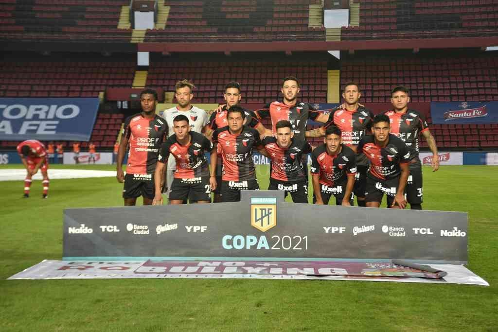 El equipo sabalero que empató el clásico y que ya piensa en Talleres de Córdoba. Crédito: Mauricio Garín