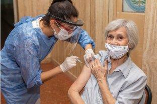 Entre Ríos convocó este lunes a mayores de 65 años que aún no recibieron la vacuna