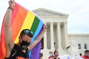 Biden le devolvió la protección de salud a gays y transgénero