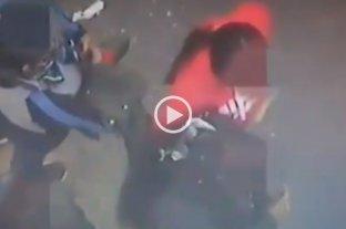 Video: robaron un celular y fueron captadas por las cámaras de seguridad en Córdoba
