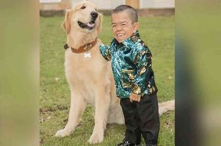 Edward Niño Hernández, el hombre más pequeño del mundo, cumple 35 años