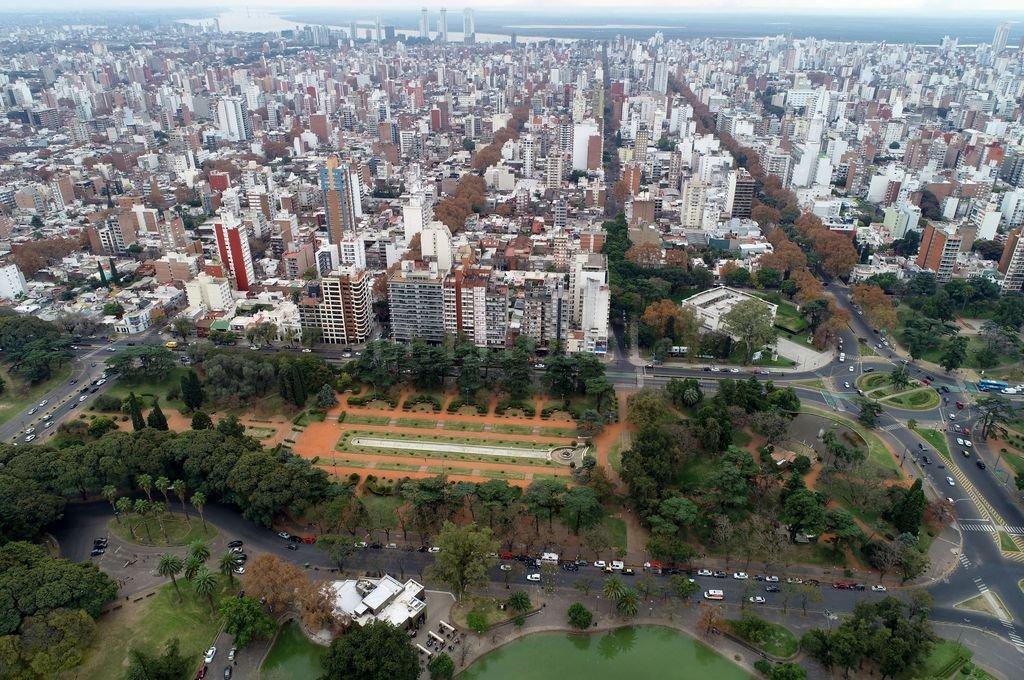 Rosario. Edificios enteros donde se compra y se vende con