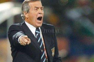 """El """"Maestro"""" Tabárez, enojado con la programación de la eliminatoria sudamericana"""