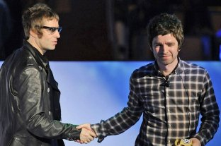 Los hermanos Gallagher se unen para producir un documental sobre un histórico show de Oasis