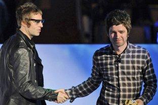 Los hermanos Gallagher se unen para producir un documental sobre un histórico show de Oasis