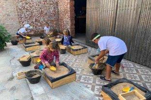 Inédito: en Venado Tuerto dictan talleres de egiptología para las infancias