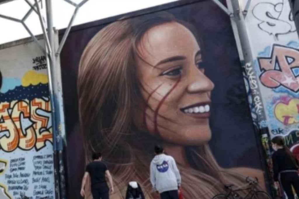 Realizaron un mural en memoria de la joven. Crédito: Gentileza