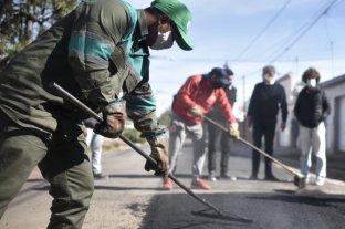 Jatón supervisó los avances de las obras en calle Calcena