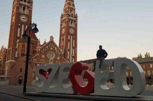 Otro sueño olímpico de Rézola duerme en Hungría - Rubén Rézola en uno de los lugares emblemáticos de la ciudad húngara donde competirá este fin de semana, en busca de la ansiado plaza olímpica. -