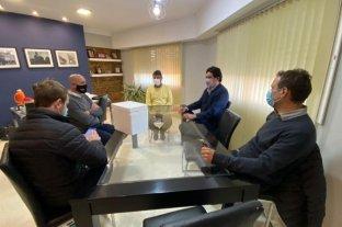 Clemente se reunió con autoridades políticas e integrantes del SAMCo de Gobernador Crespo