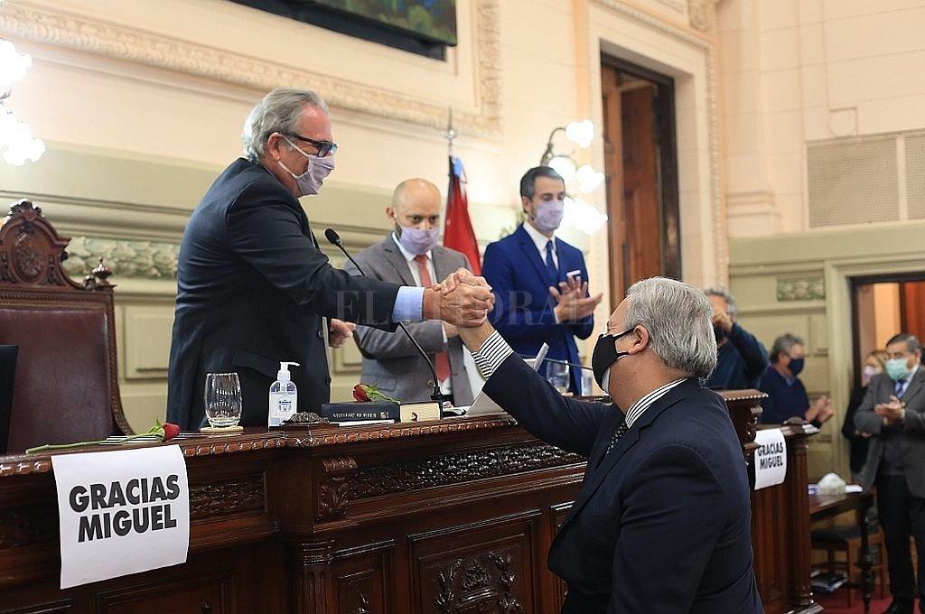 Con amplio respaldo, Farías conducirá Diputados - Olivera encabezó la Prepatoria hasta la elección de Farías.  -