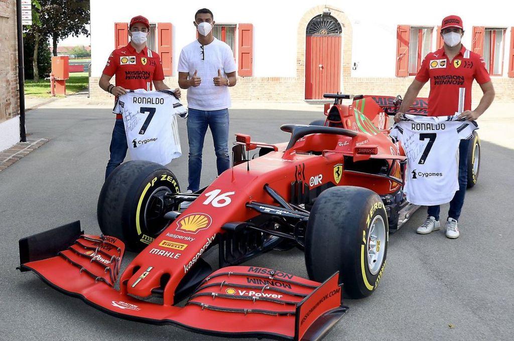 Foto de la visita de CR7 a Ferrari. Crédito: Gentileza