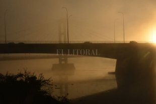 ¿Y el agua?: la niebla ocultó la Setúbal en Santa Fe -  -
