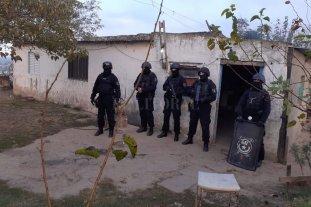 Múltiples allanamientos en barrio Los Hornos de Santo Tomé