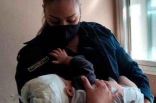 Volvieron a internar al bebé que había sido herido con un tenedor: tiene quemada una mano -