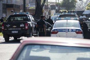 Detenido por una causa de homicidio: vinculado a Los Monos, empleado de la Defensoría y jefe de la barra de Newell